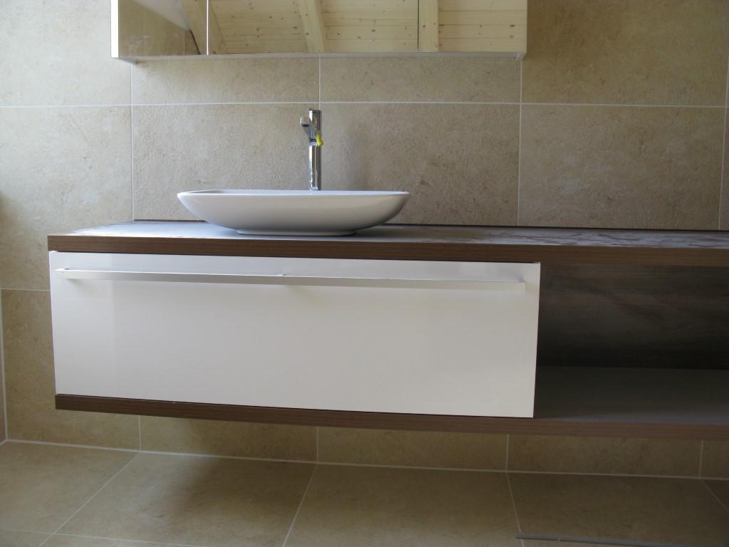 platten verlegen karrer ofenbau plattenleger ofenbauer. Black Bedroom Furniture Sets. Home Design Ideas