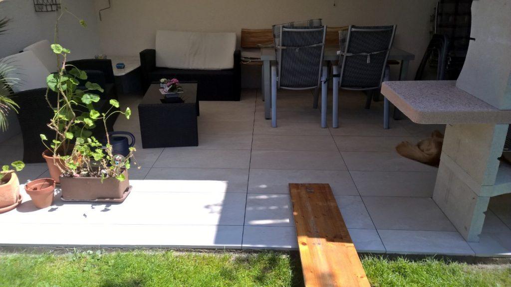 terrassenplatten auf stelzen verlegen karrer ofenbau plattenleger ofenbauer. Black Bedroom Furniture Sets. Home Design Ideas